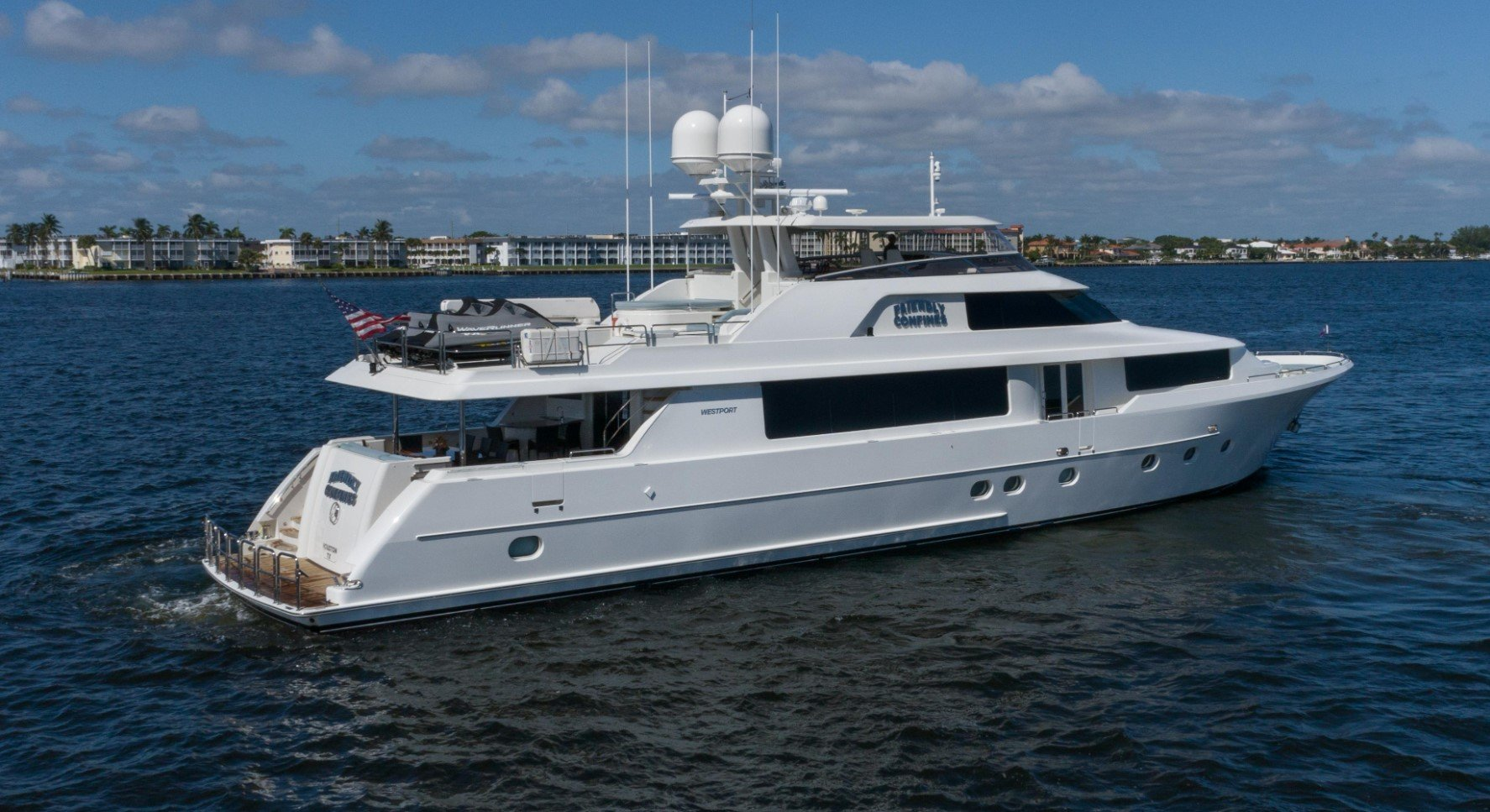 112' WESTPORT ''FRIENDLY CONFINES''