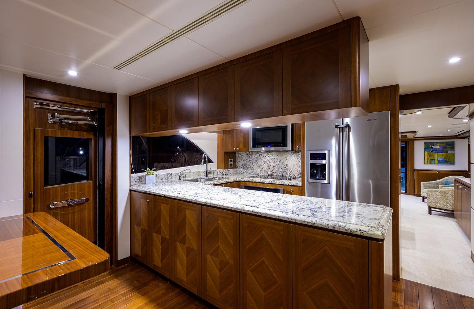 85 OCEAN ALEXANDER EVOLUTION '' 7 DIAMONDS''